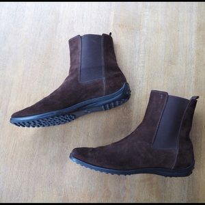 Tod's Brown Suede Boots